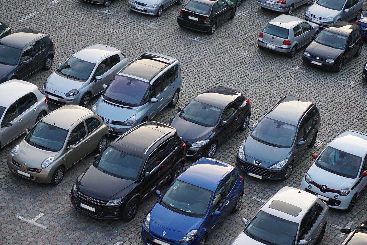 С начала года 26 компаний подняли в России цены на автомобили — URA.RU