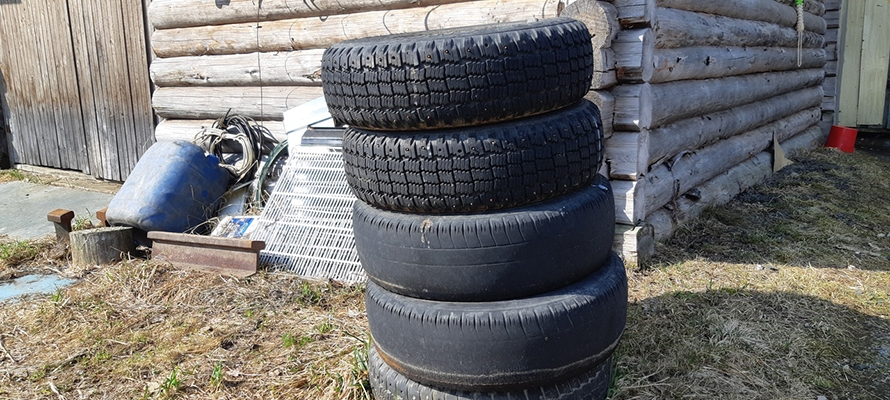 Петрозаводчанин пропил чужие колеса