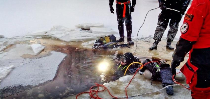 При 17-градусном морозе водолазы-добровольцы искали потерявшегося в Карелии 6-летнего ребенка (ФОТО)